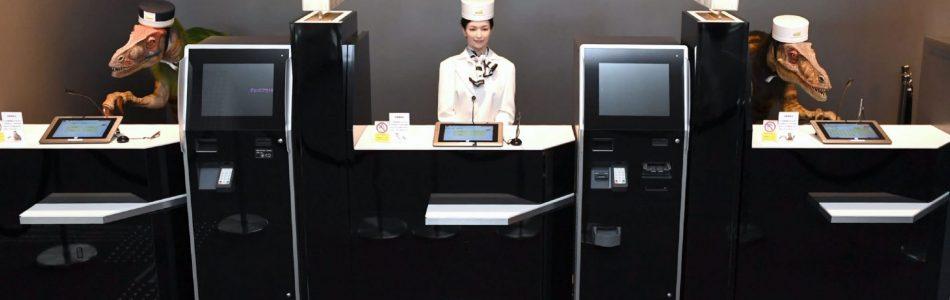 HENN NA: el hotel atendido por robots